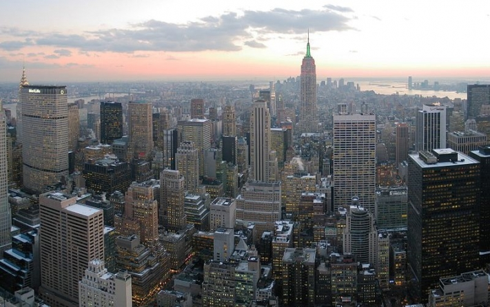 800px-NYC_wideangle_south_from_Top_of_the_Rock-e1519387332149